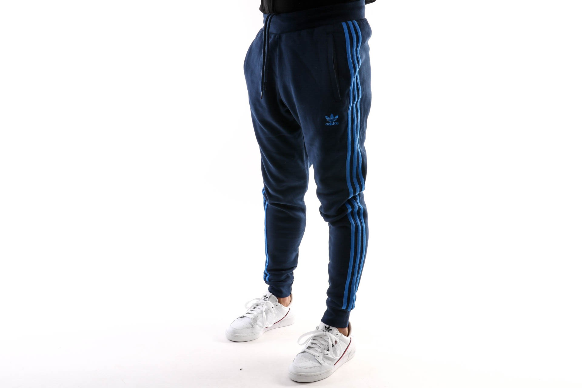 Foto van Adidas 3-Stripes Pant Ek0263 Trackpant Collegiate Navy/Bluebird