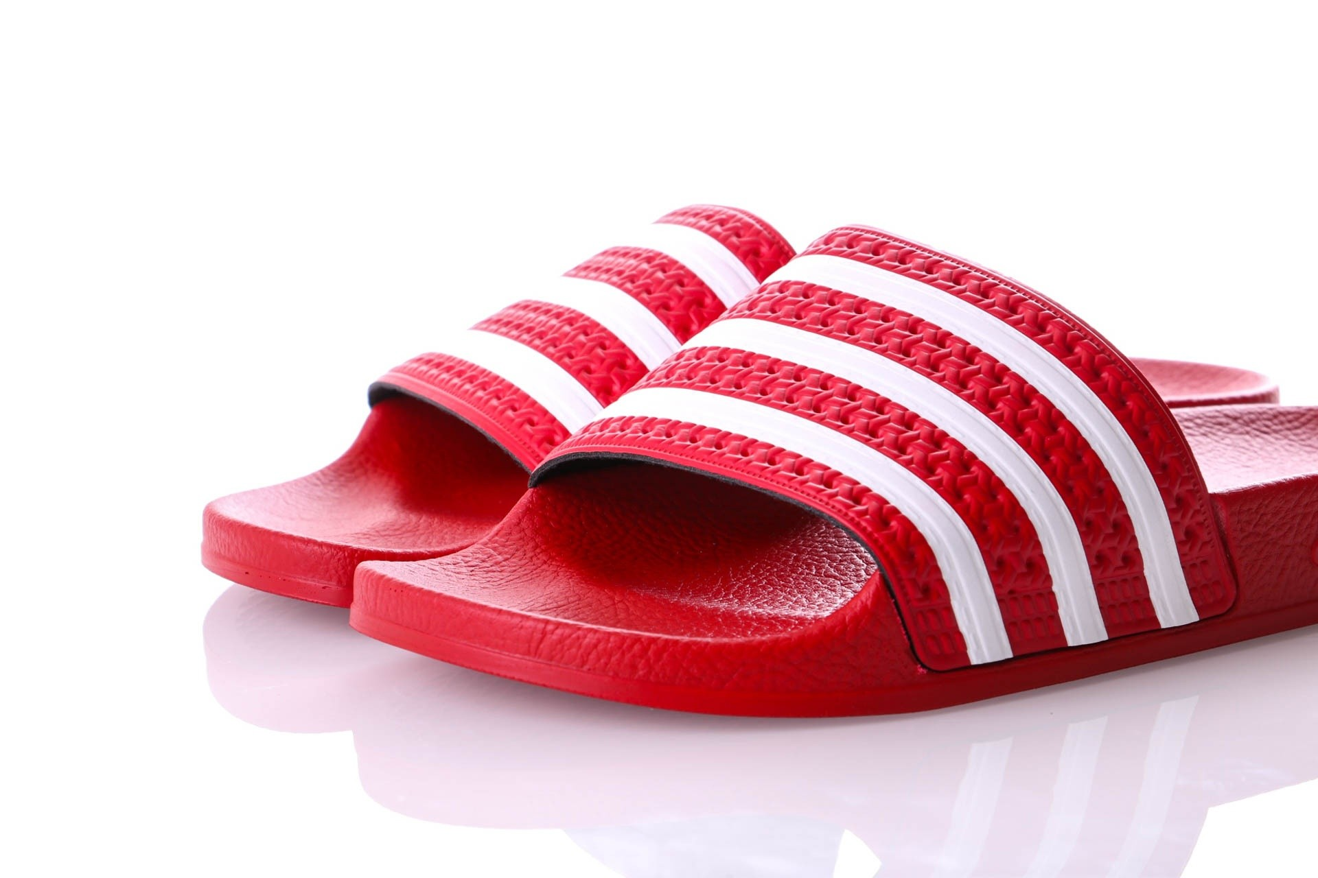 Afbeelding van Adidas Adilette Adicolor Var 288193 Slippers Light Scarlet/White/Light Scarlet