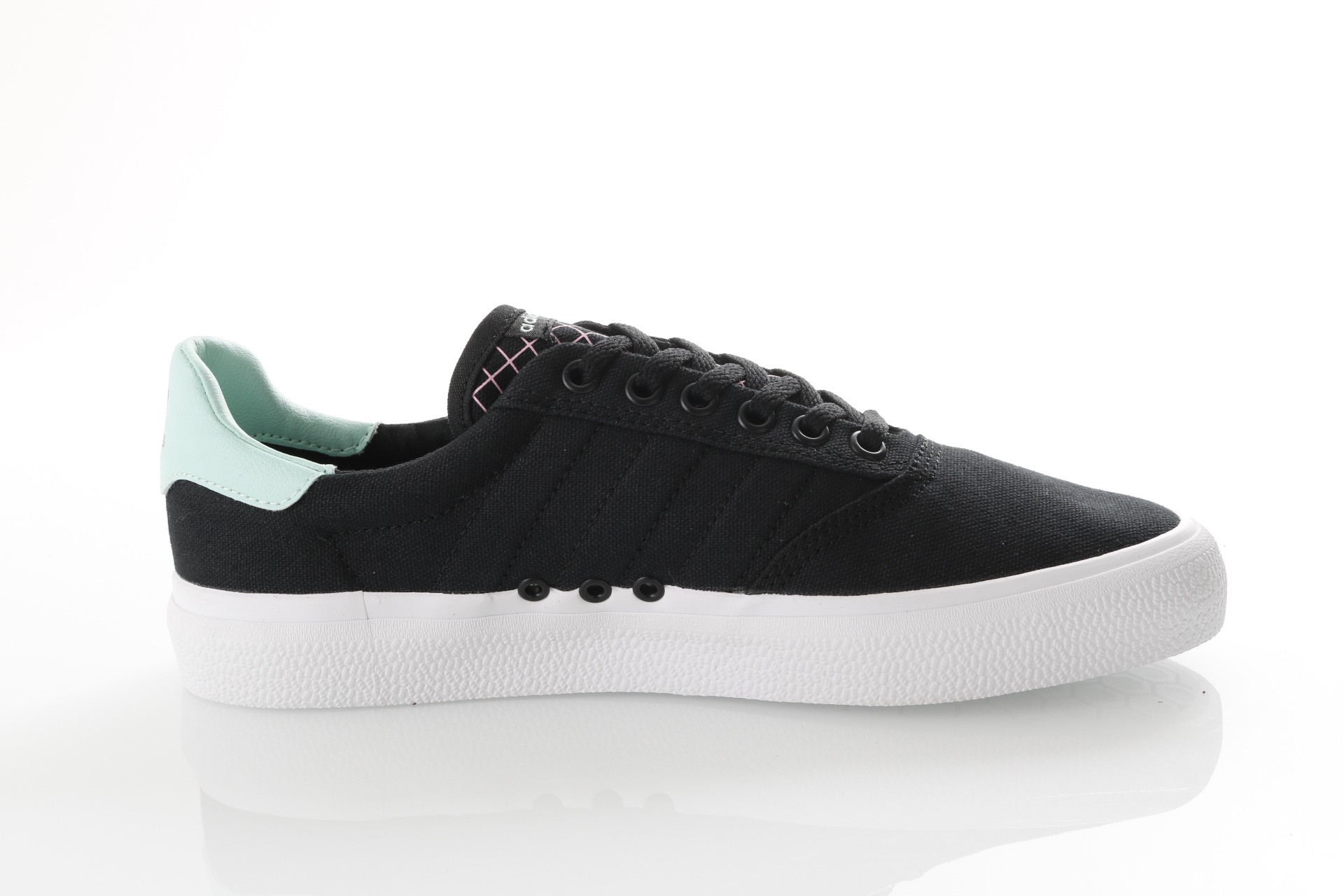Afbeelding van Adidas 3Mc Db3100 Sneakers Core Black/Clear Mint/Ftwr White