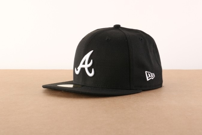 Foto van New Era Fitted Cap Atlanta Braves MLB basic Atlanta Braves 10047487